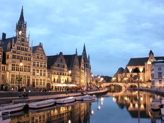 Cảnh sắc tuyệt vời thu hút du khách du lịch châu Âu