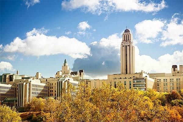 Trường Đại học Montreal là trung tâm nghiên cứu lớn của Canada