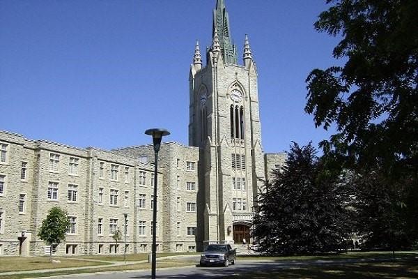 Western là một trong những trường đại học đẹp nhất ở Canada