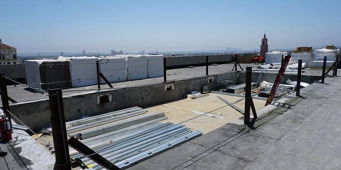 Lắp đặt bể bơi trên mái nhà